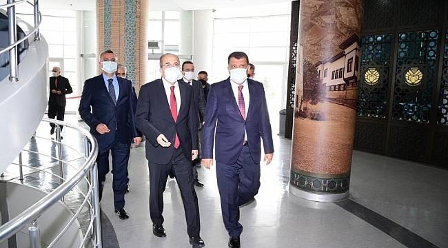 Bakan Yardımcısı Alpay, Gürkan'ı Ziyaret Etti