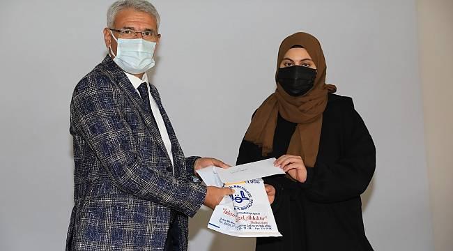 Güder, Bilgi Yarışmasının Ödül Törenine Katıldı
