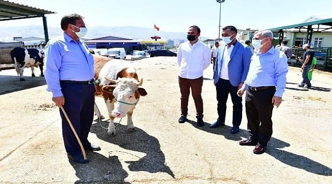 Başkan Çınar'dan Hayvan Pazarına Ziyaret