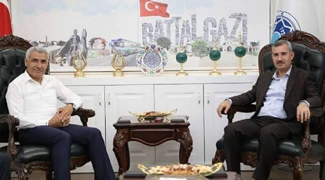 Osman Güder'i de Çınar Başkanın Durumuna Düşürmek İstiyorlar !